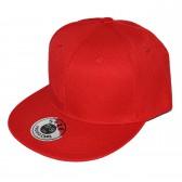 Красная кепка с прямым козырьком