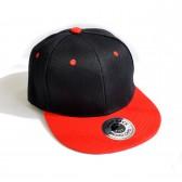 Кепка с прямым козырьком (черный с красным)