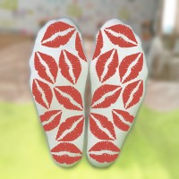 Носки женские с поцелуями