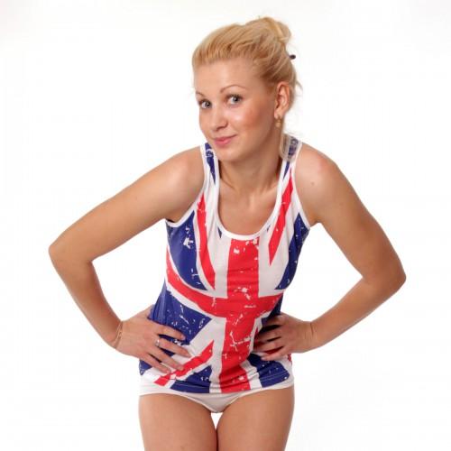 Можно купить сумку футболку с британским флагом.