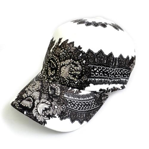 Велюровая плотная женская бейсболка на металлической застежке.  Модная расцветка.