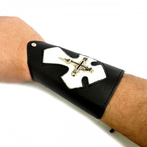 """Напульсник кожаный на шнуровке """"Белый крест"""""""
